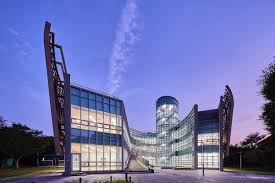 پاورپوینت اصول طراحی بیمارستان در 100 اسلاید کاملا قابل ویرایش به همراه شکل و تصاویر